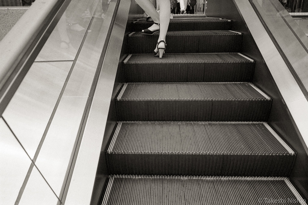 escalator + leg