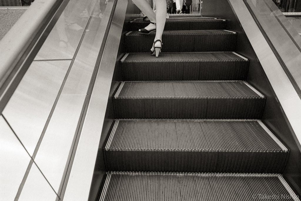 escalator + leg