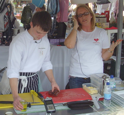 Clitheroe Food Festival 2012 - The Red Pump Inn demo | by Tony Worrall Foto