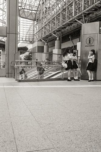 escalator + students