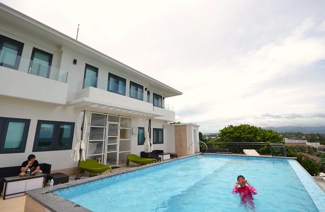 lime hotel boracay swimming pool