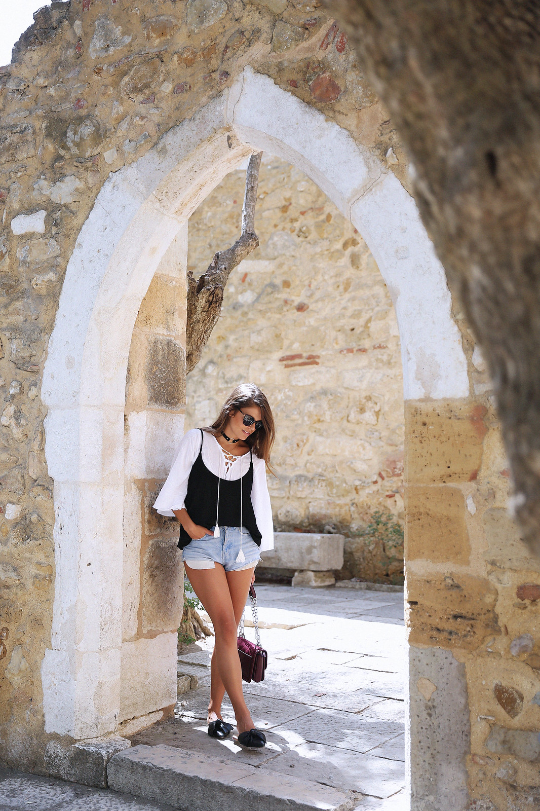 Jessie Chanes Seams for a desire Lisboa Parfois Black Lace Top-13