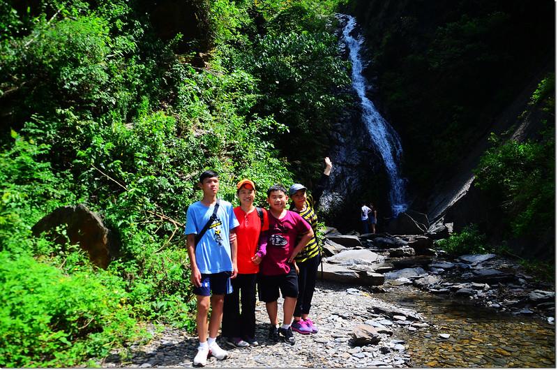 山中流瀑 2
