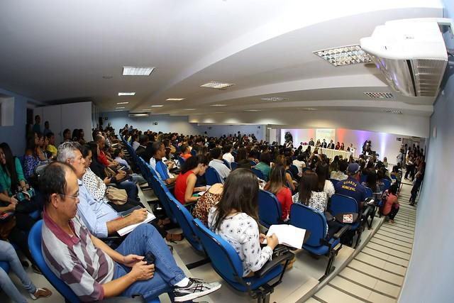 Seminário sobre aspectos jurídicos e de saúde relacionados à microcefalia