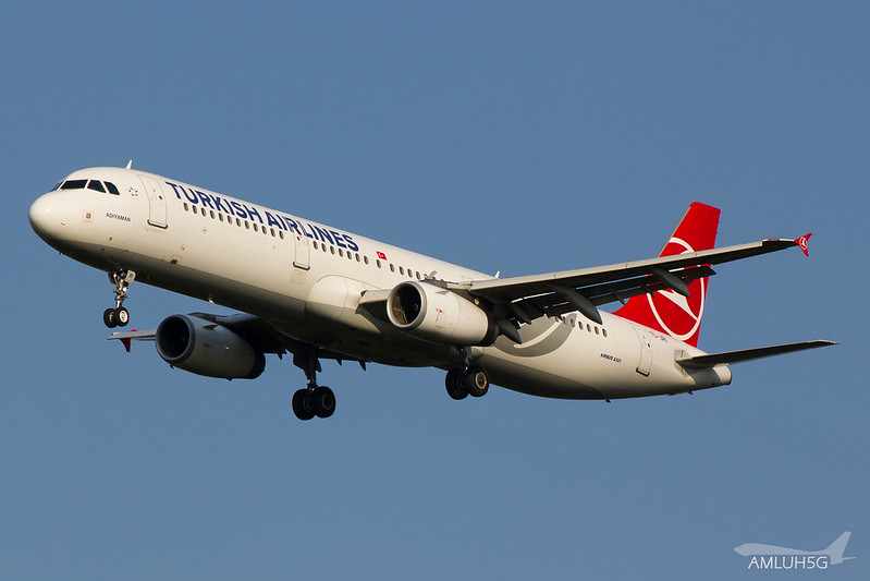 Turkish Airlines - A321 - TC-JRI (1)