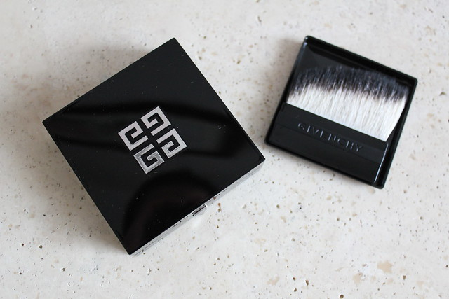 Givenchy Prisme Visage in No.5 Soie Abricot review and swatch