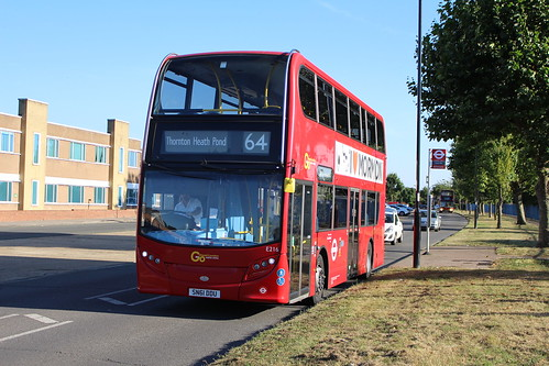 Metrobus E216 on Route 64, New Addington Vulcan Way