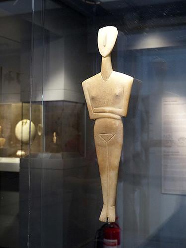 femme cycladique