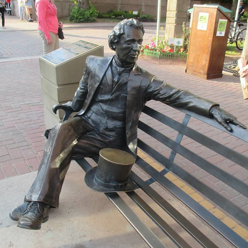 John A. MacDonald on Victoria Row #pei #charlottetown #victoriarow #johnamacdonald #bronze #statue #latergram