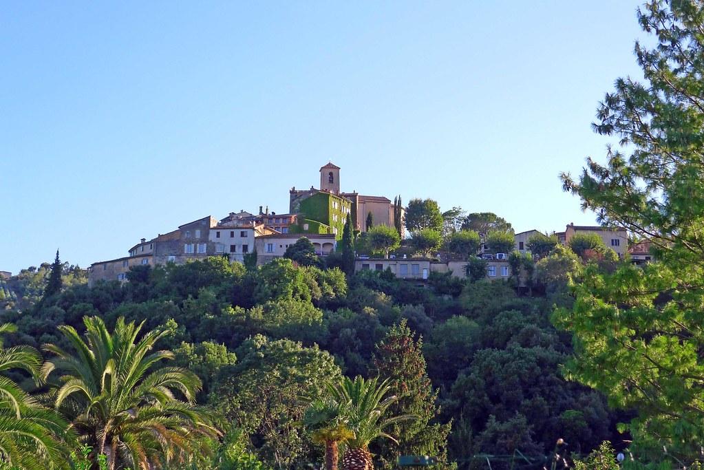 Auribeau-sur-Siagne et Cannes un soir d'été (9 août 2011)