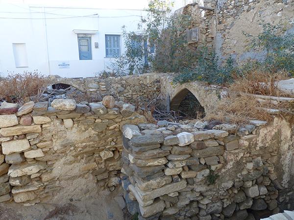 ruines dans le kastro