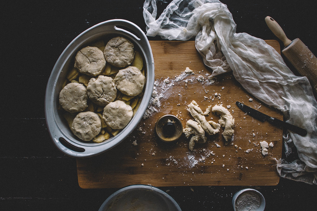 Bourbon & Buttermilk Biscuit Apple Cobbler || TermiNatetor Kitchen