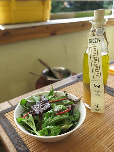 Blattsalat mit V4 Limette&Minze Vinaigrette