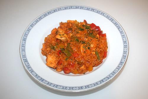 42 - Salmon quinoa fry with coconut milk & bell pepper - Served / Lachs Quinoa Pfanne mit Kokosmilch & Paparika - Serviert