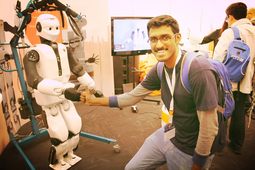 Thumbs up with PAL Robotics REEM at ICRA 2016,Stockholm.
