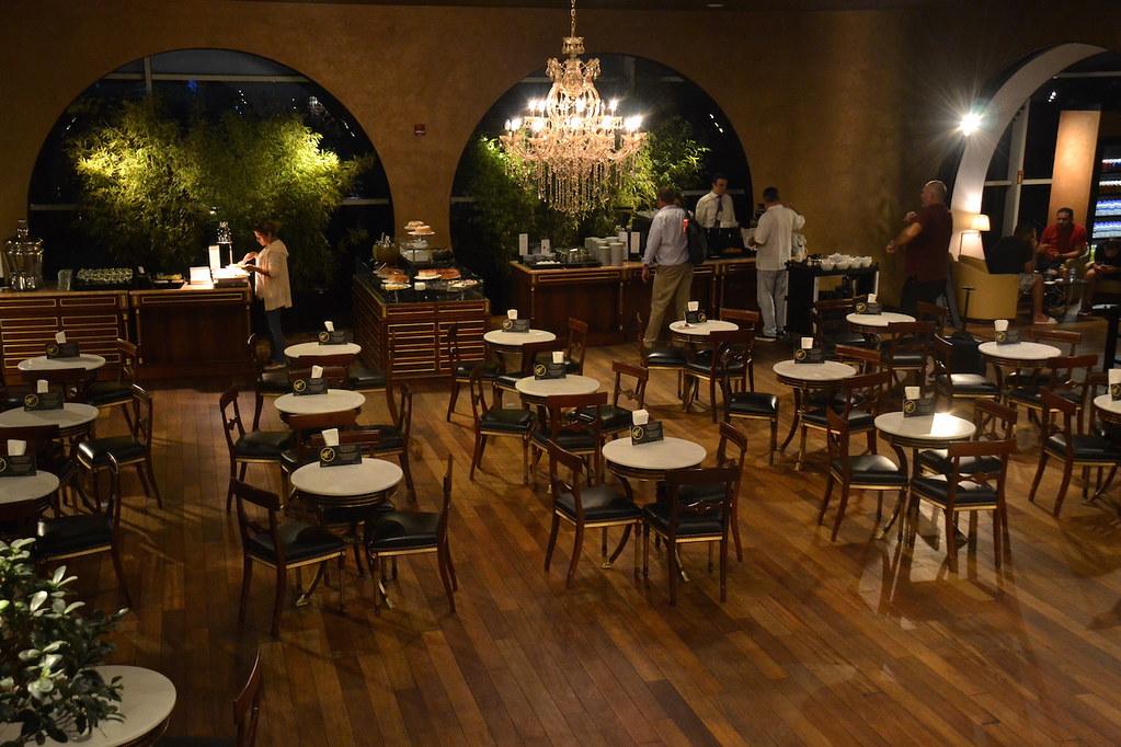 土耳其航空貴賓室餐桌區