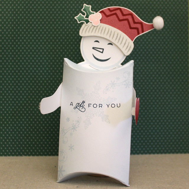 Frosty Pillow Box Open Arms