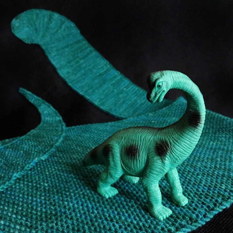 Apatosaurus Shawl