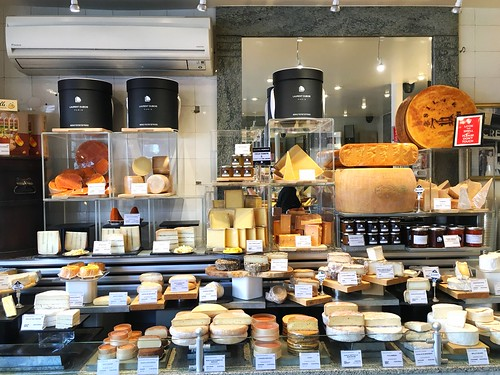Fromagerie Laurent Dubois. Paris, France