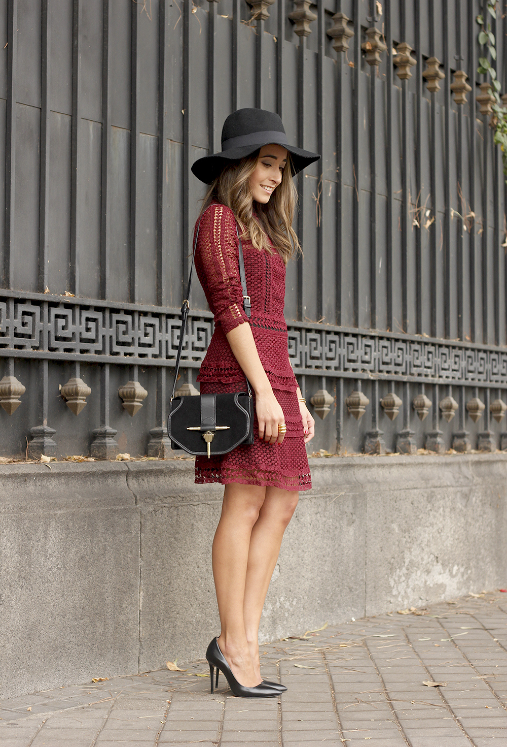 burgundy lace dress black heels hat accessories outfit fashion style09