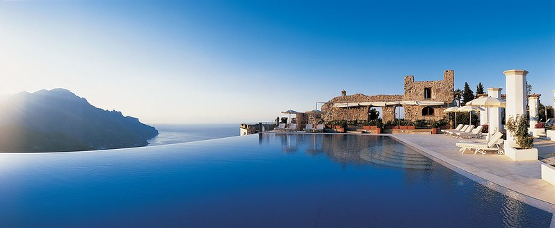 Панорамный бассейн Belmond Hotel Caruso, Италия