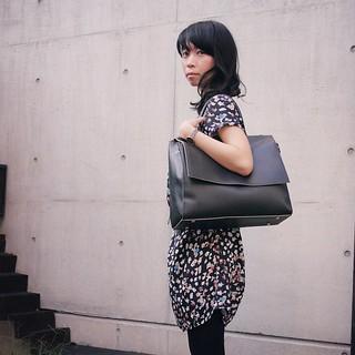ホスティングサービスのディレクターズさんから頂いた10周年記念のバッグ使ってみた。ショルダーにも出来なくはない。 #bag #fashion #ootd #ディレクターズ #directorz  #japan #10thanniversary