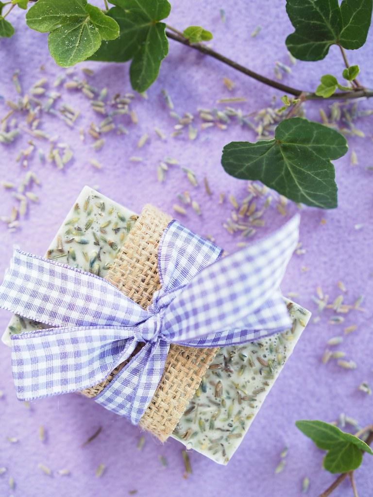 Itse tehty laventelisaippua