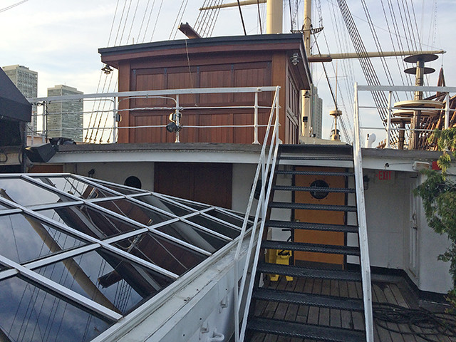 midships deck and charthouse