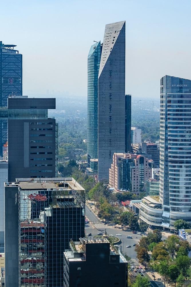 Башня в Мехико Torre Reforma
