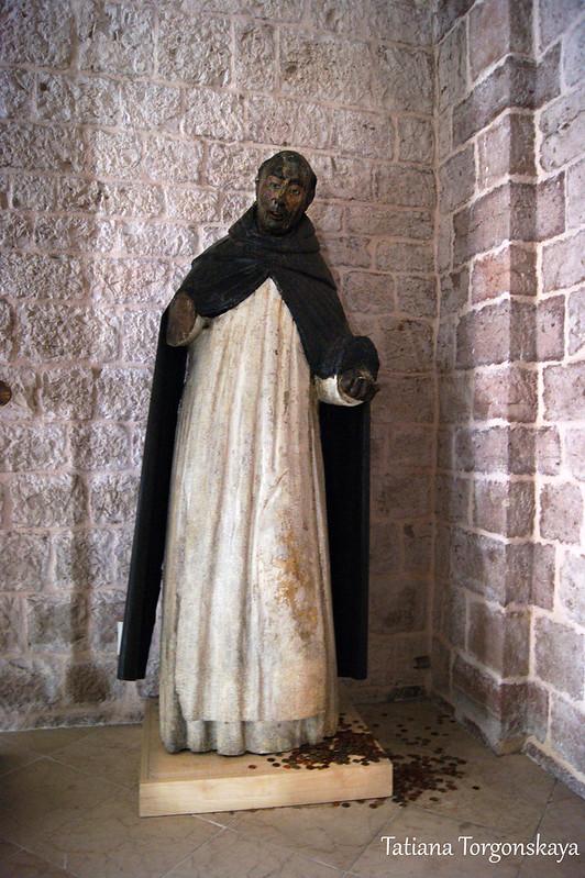 Скульптура в часовне