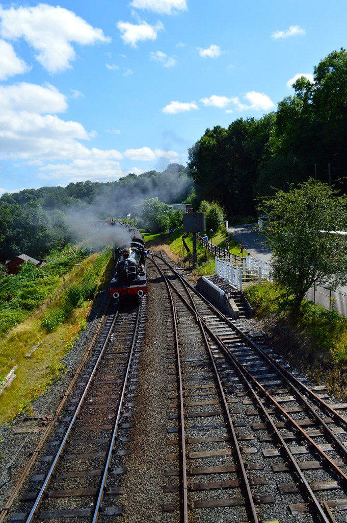 this is a picture of a steam train on severn valley railway