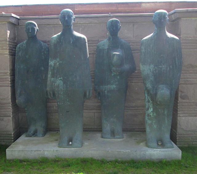 Mourning Soldiers, Langemark War Cemetery