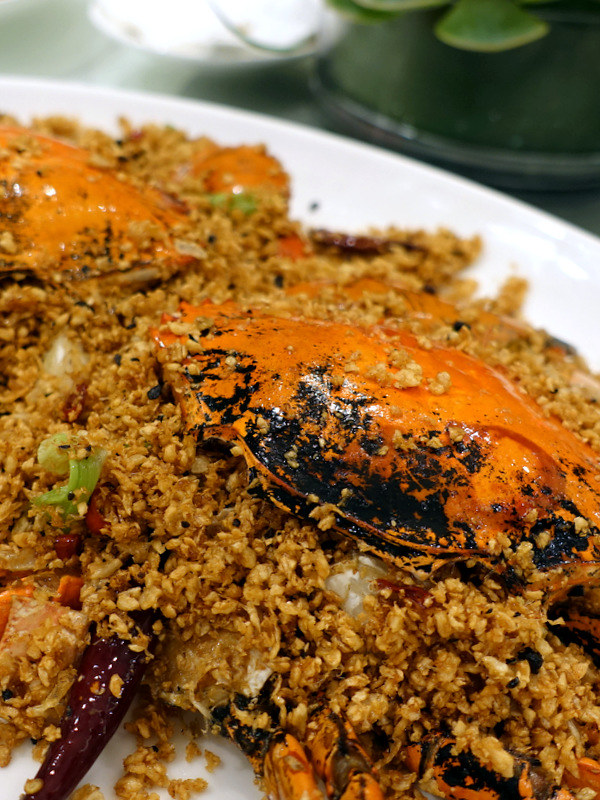 """XIU Fine Cantonese Dining Restaurant- """"Typhoon Shelter"""" Crab with Garlic"""