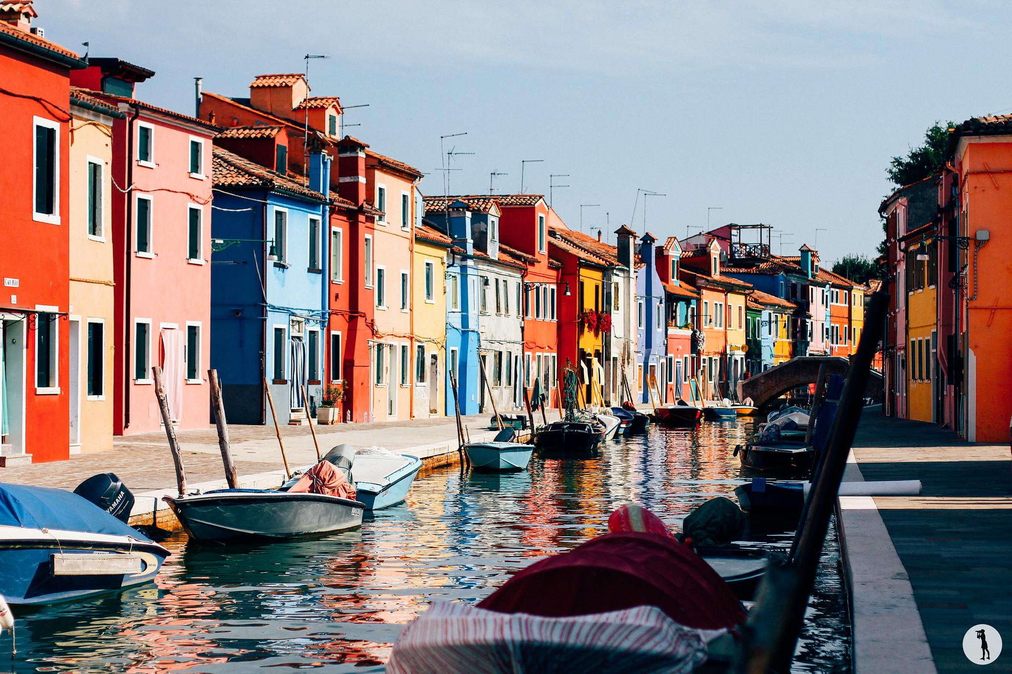 Voyage. Burano, Italie. Maisons colorées. Canal