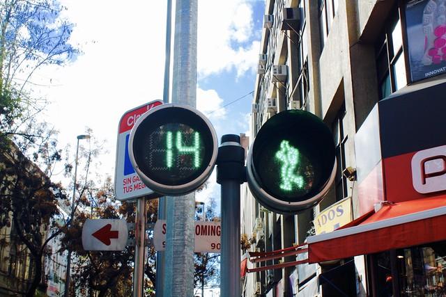 Animated traffic light, Santiago
