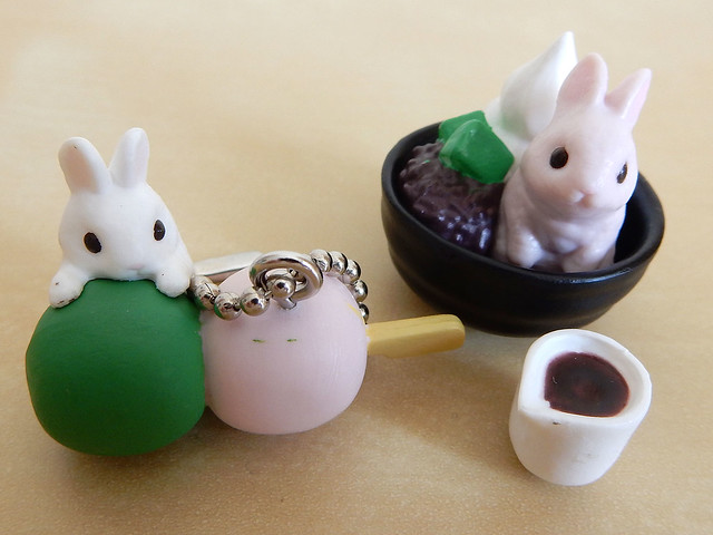 Bunny dessert gashapon