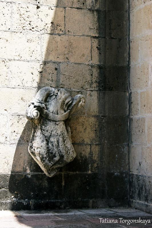 Скульптура на балконе