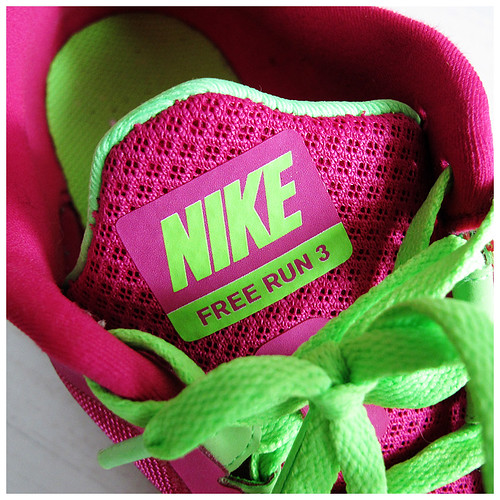736_Nike_Free_Pink2