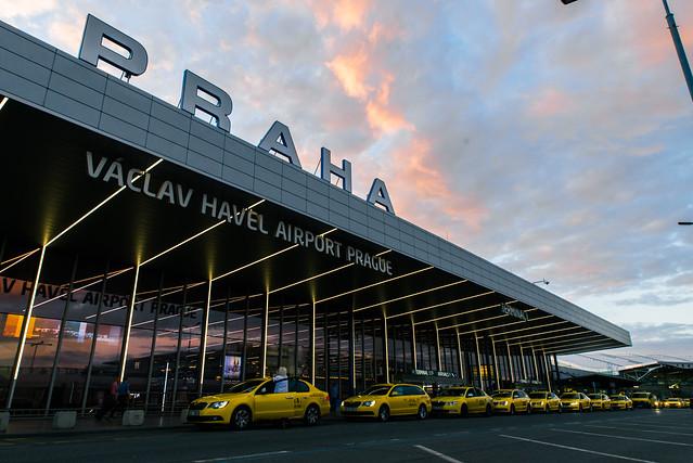捷克/布拉格–哈維爾國際機場到布拉格市區交通方式/交通票券購買
