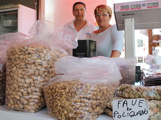 mercato coperto di polignano legumi e sapori