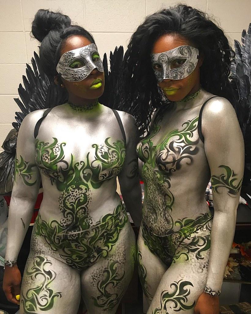 Worked with these lovely ladies tonight in Bridgeport, CT #artlife #bodyart #metallic #UV #proair #masquerade #platinum&black #beautiful #ilovewhatido