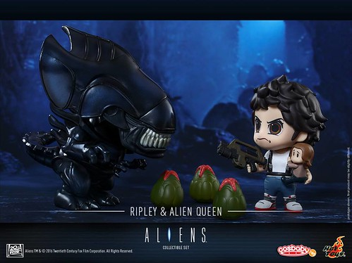 Ellen Ripley & Alien Queen Cosbaby Collectible Set 2