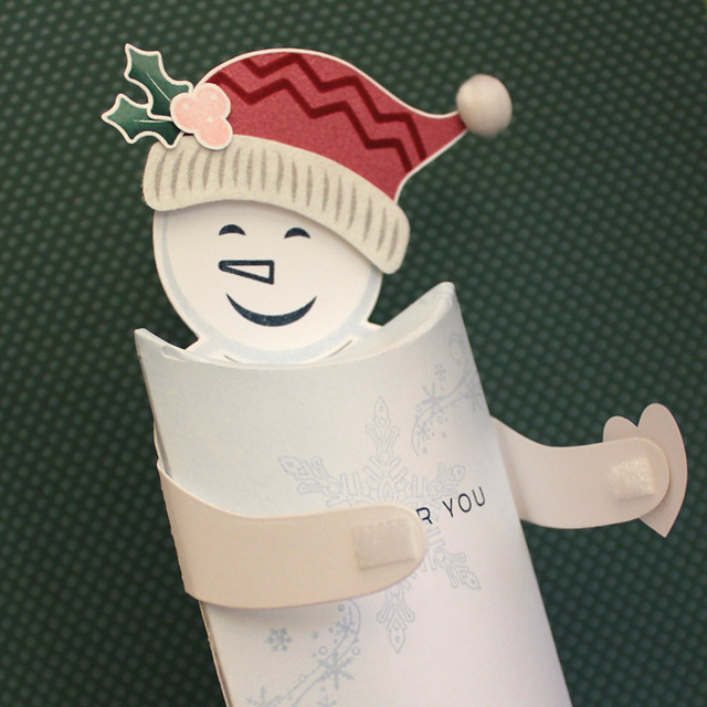 Frosty Pillow Box Arms Detail