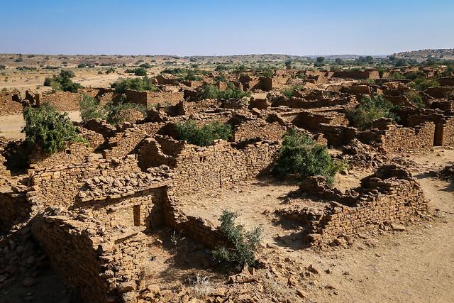 """Ghost town"" Kuldhara abandoned village, near Jaisalmer, India ジャイサルメール、砂漠ツアーで寄った廃墟の町クルダラ"