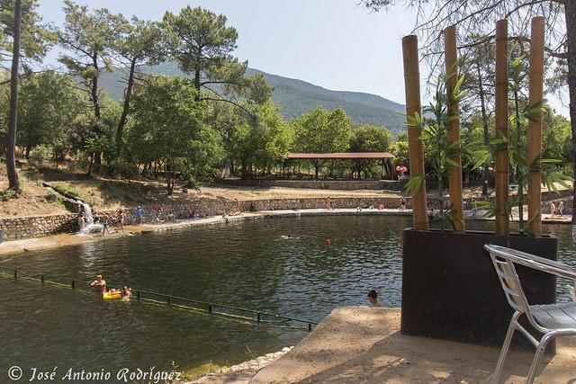 La hoya y la pinara la adrada net for Piedralaves piscina natural