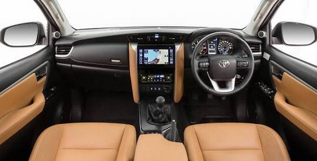 2016-Toyota-Fortuner (3)