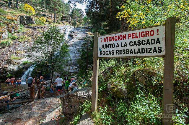 Ruta a la cascada de el chorro de navafr a fotonazos for Navafria piscinas naturales