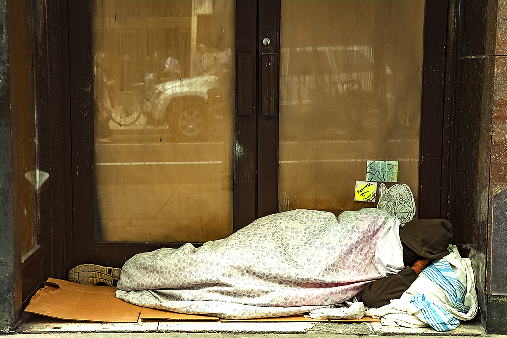 Man-sleeping-in-dooway-on-4-13-15--Center-City