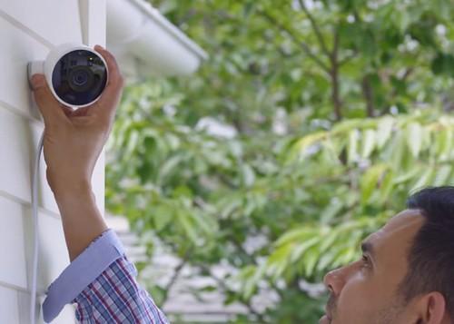 Умная камера уличного видеонаблюдения Nest