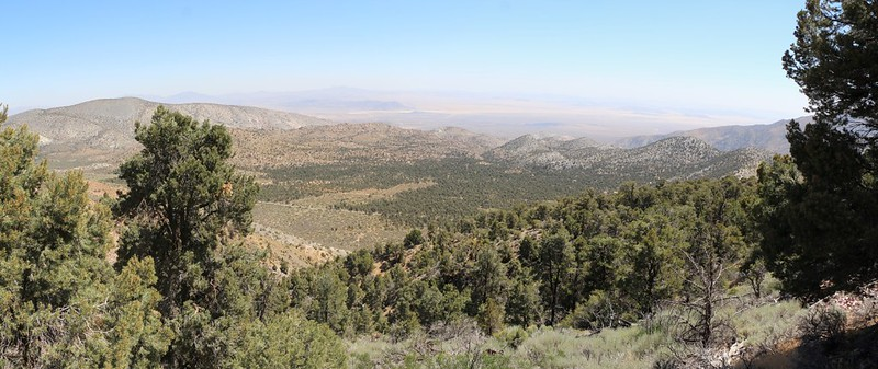 View toward the Mojave Desert from Nelson Ridge on the PCT